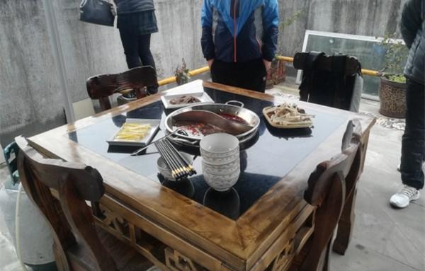 河南信阳蒋总到厂考察火锅威廉希尔!